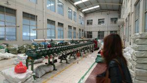 糸を巻く機械
